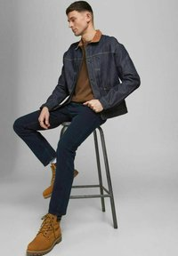 Jack & Jones - REGULAR FIT JEANS CLARK ORIGINAL AM 166 LID - Jeans straight leg - blue denim - 4