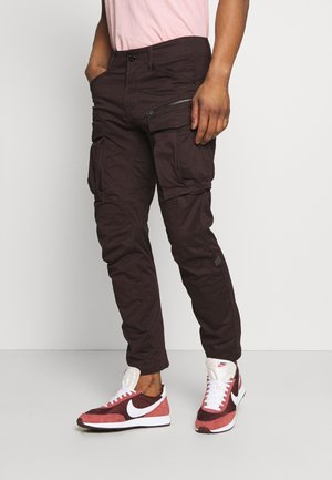 ROVIC ZIP TAPERED - Reisitaskuhousut - deep brown