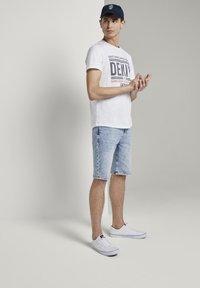 TOM TAILOR DENIM - Denim shorts - used bleached blue denim - 1