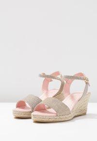 Pretty Ballerinas - Platform sandals - galassia plata - 4