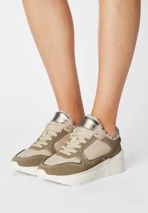 COMFORT LEATHER - Sneakers laag - pink