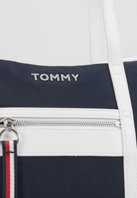 Tommy Hilfiger - TOTE - Tote bag - blue - 4