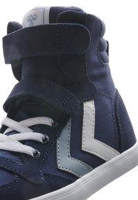 Hummel - Sneakers hoog - black iris - 6