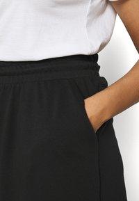 Nike Sportswear - CLASH SKIRT - Minifalda - black - 4