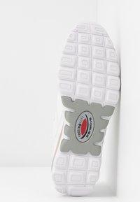 Gabor Comfort - ROLLING SOFT - Sneakersy niskie - weiß - 6