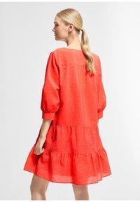 comma - Jumper dress - coral - 2