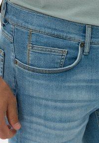 BRAX - STYLE CHRIS B - Denim shorts - vintage blue used - 3