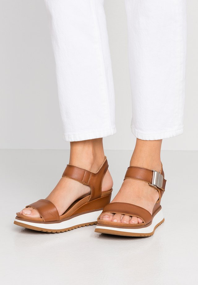 KAREN - Platform sandals - cognac