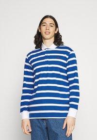 Newport Bay Sailing Club - BOLD STRIPE RUGBY - Polo shirt - light blue - 0