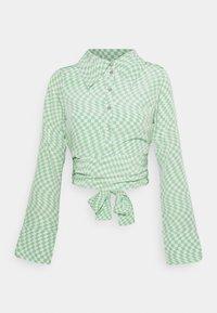 Fashion Union - HAMMER SHIRT - Blusa - light green - 4