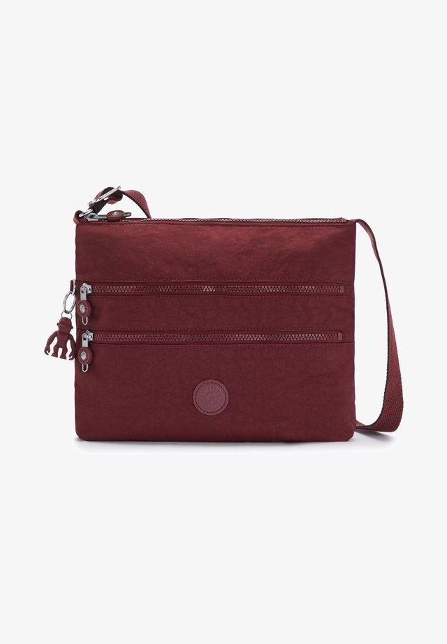 ALVAR - Across body bag - intense maroon