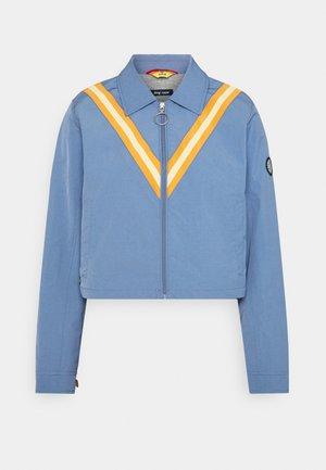 COMP JACKET - Lehká bunda - tidal blue