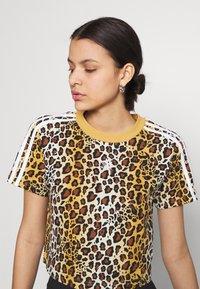 adidas Originals - LEOPARD CROPPED TEE - Print T-shirt - multco/mesa - 3