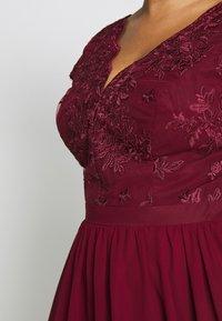 Chi Chi London Curvy - CURVE JOEN DRESS - Cocktail dress / Party dress - burgundy - 5