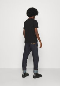 Vivienne Westwood - CLASSIC STRIPE COLLAR - Polo shirt - black - 4
