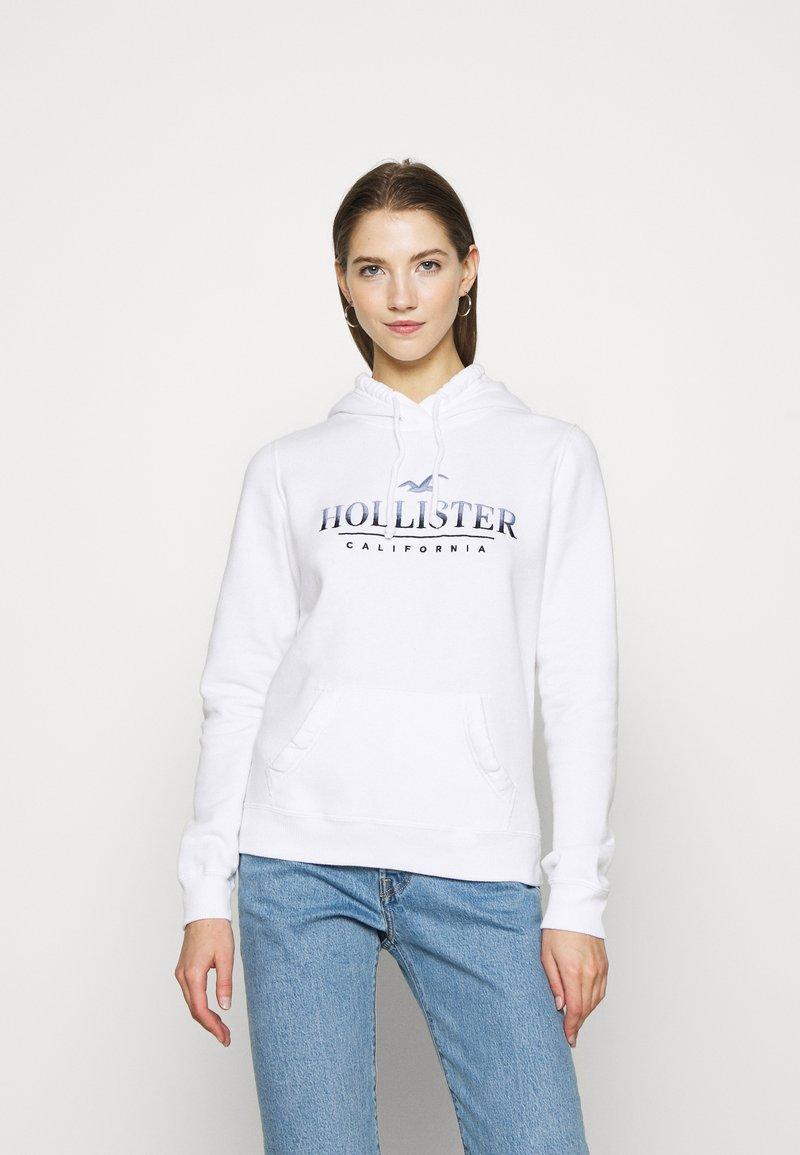 Hollister Co. - SECONDARY TECH CORE  - Sweat à capuche - white