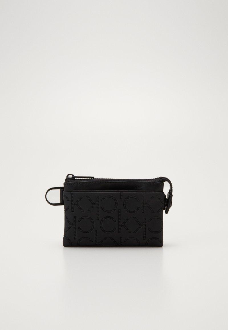 Calvin Klein - MONO BLEND ZIPPED POUCH - Monedero - black