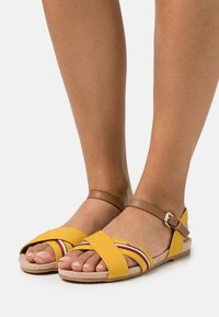 TOM TAILOR - Sandály - yellow - 0