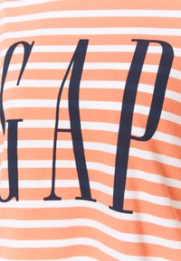 GAP - BOXY TEE - Print T-shirt - orange - 2