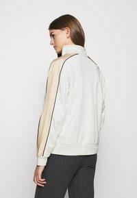 Levi's® - GINGER  - Sweatshirt - neutrals - 2