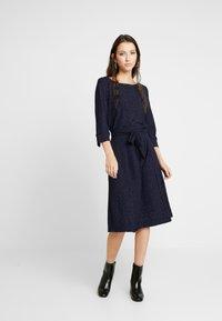 Nümph - NUMIRABEI DRESS - Jerseykjole - sapphire - 0