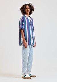 PULL&BEAR - Overhemd - blue - 1