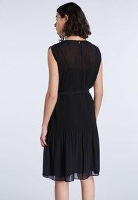 SET - TAILLIERTE - Day dress - black - 2