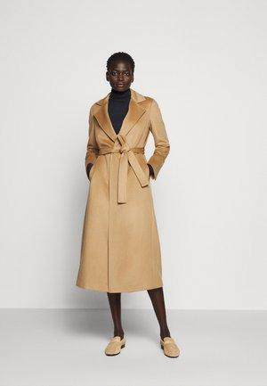 LONGRUN - Klasický kabát - camel