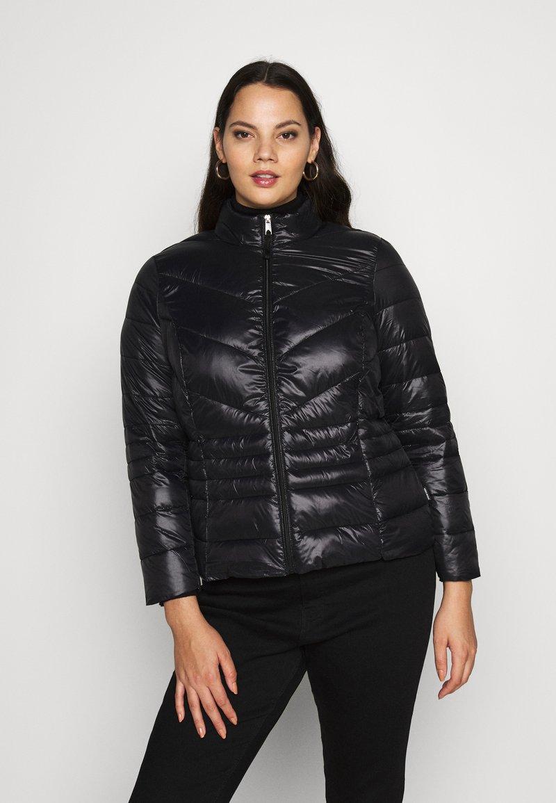 Vero Moda Curve - VMSORAYASIV SHORT JACKET CURVE - Light jacket - black