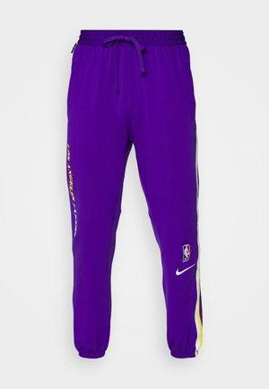 NBA LOS ANGELES LAKERS SHOWTIME PANT - Klubové oblečenie - field purple/amarillo/white