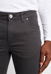 Farah - DRAKE - Slim fit jeans - charcoal - 3