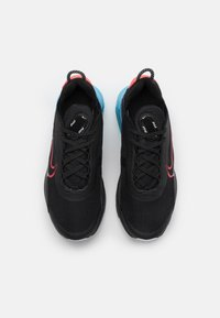 Nike Sportswear - AIR MAX2090 UNISEX - Tenisky - black/fusion red/light blue fury/grey fog - 3