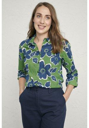 LARISSA - Button-down blouse - light green