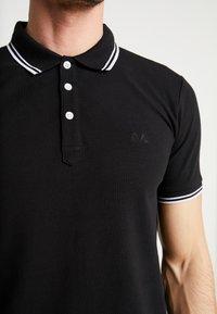 Lindbergh - CONTRAST PIPING - Polo shirt - black - 4