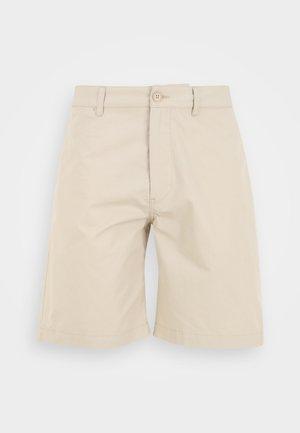 JONATHAN LIGHT - Shorts - light sand