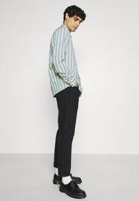 Ben Sherman - CANDY STRIPE - Shirt - riviera blue - 5