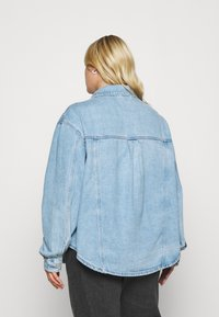 Levi's® Plus - PL SHACKET - Giacca di jeans - pull up - 2