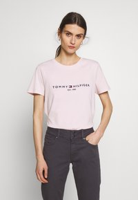 Tommy Hilfiger - NEW TEE  - Print T-shirt - pale pink - 0