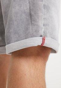 Petrol Industries - SHORTS - Denim shorts - dusty silver - 3