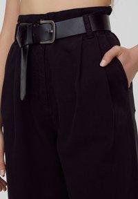 PULL&BEAR - Kalhoty - black - 4