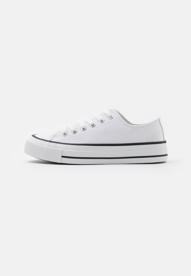 VEGAN BILLIE RETRO RISE - Sneakers laag - white