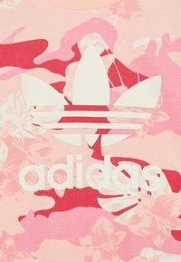 adidas Originals - CREW SET - Sweatshirt - light pink - 3