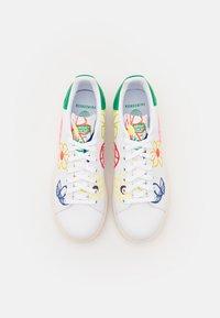 adidas Originals - STAN SMITH  - Zapatillas - footwear white/green/chalk white - 6