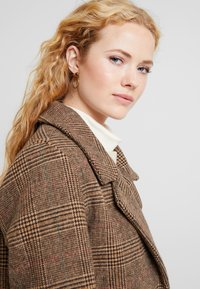 b.young - BYAMANO - Manteau classique - fossil - 3