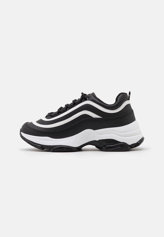VEGAN LIZZIES - Sneakers - black/white