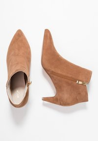 KIOMI - Ankle boots - cognac - 3