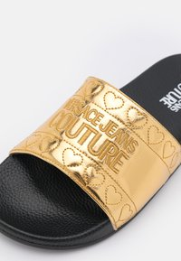 Versace Jeans Couture - Mules - gold - 6
