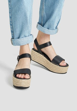 MIT SCHNALLE - Korkeakorkoiset sandaalit - black