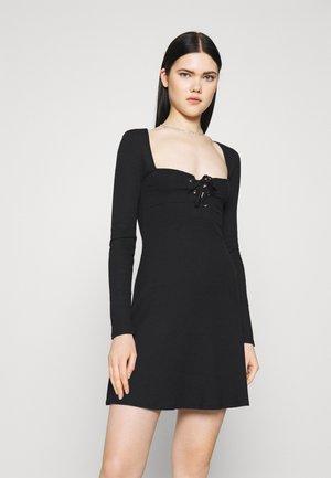 LACE UP MINI  - Sukienka dzianinowa - black