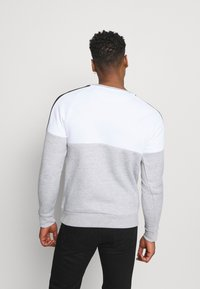 Brave Soul - ROOSEVELT - Sweatshirt - optic white/light grey marl/jet black - 2